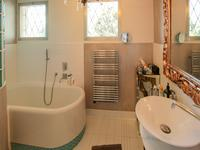 French property for sale in VALLAURIS, Alpes Maritimes - €645,000 - photo 8