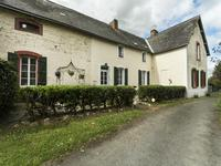 French property for sale in RENAZE, Mayenne - €283,550 - photo 2