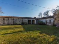 Maison à vendre à MONTGUYON en Charente Maritime - photo 1