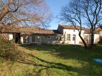 French property for sale in BLAYE, Gironde - €742,000 - photo 3