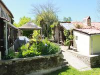 French property for sale in ST FRAIGNE, Charente - €418,700 - photo 3