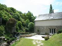 French property for sale in ST TRIMOEL, Cotes d Armor - €445,200 - photo 4