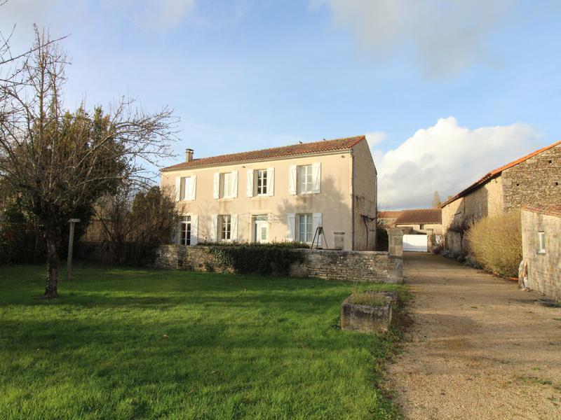 Maison à vendre à PAIZAY NAUDOUIN EMBOURIE(16240) - Charente