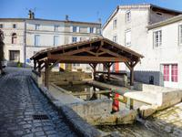 French property for sale in BURIE, Charente Maritime - €158,050 - photo 2
