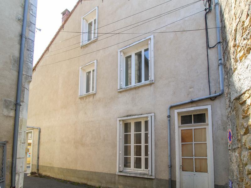 Maison à vendre à LUSSAC LES CHATEAUX(86320) - Vienne