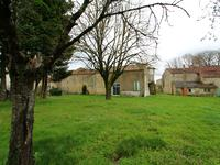 French property for sale in ROMAZIERES, Charente Maritime - €88,000 - photo 9