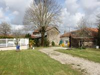 French property, houses and homes for sale inFONTCLAIREAUCharente Poitou_Charentes