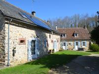 French property for sale in SILLE LE GUILLAUME, Sarthe - €429,300 - photo 2
