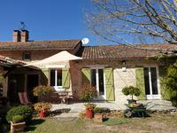 French property for sale in COULOUNIEIX CHAMIERS, Dordogne - €577,500 - photo 2