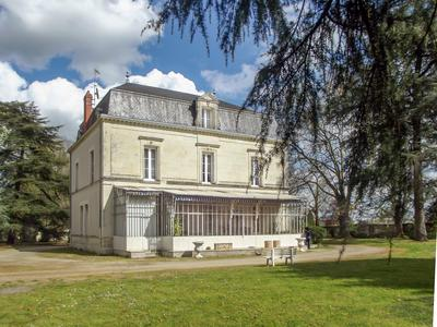housein CHATELLERAULT