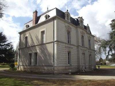 Superb 19th century chateau with up to 8 bedrooms, a large swimming pool and guesthouse all set in a 3 acre walled park.