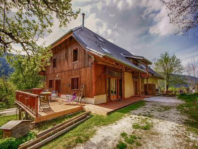 Chambre d'Hôte, 2 gites plus a 95m2 multipurpose group activity suite for sale in the Massif des Bauges near Annecy with mountain views of the Margeriaz ski resort