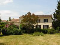 French property for sale in BLAYE, Gironde - €318,000 - photo 4