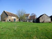 French property, houses and homes for sale inNEUILLY LE VENDINMayenne Pays_de_la_Loire