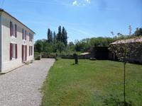 Maison à vendre à ST GENIS DE SAINTONGE en Charente Maritime - photo 3