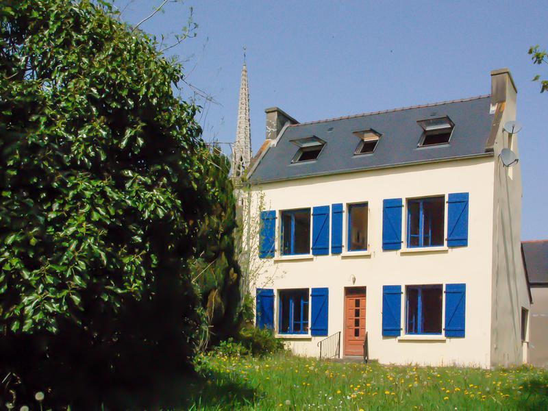 Maison à vendre à HUELGOAT(29690) - Finistere
