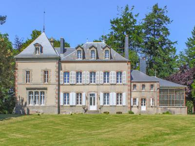 chateauin POUZAUGES