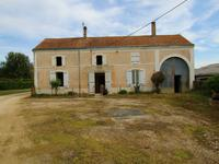 French property, houses and homes for sale inCOUTURE D ARGENSONDeux_Sevres Poitou_Charentes