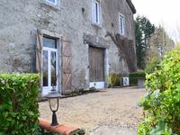French property for sale in HUOS, Haute Garonne - €380,000 - photo 2