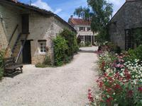 French property for sale in VILLIERS COUTURE, Charente Maritime - €149,000 - photo 4