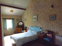 French property for sale in VILLIERS COUTURE, Charente Maritime - €149,000 - photo 6