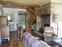 Maison à vendre à TREIGNAC en Correze - photo 3