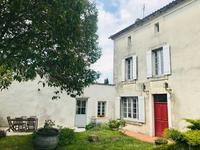 houses and homes for sale inBAIGNES STE RADEGONDECharente Poitou_Charentes
