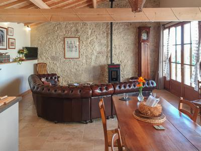 Elegant stone longère converted to offer luxurious home and gites, glorious position walking distance into bastide town. Potential to expand and add more gites.