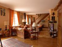 French property for sale in RAZAC SUR L ISLE, Dordogne - €360,400 - photo 2
