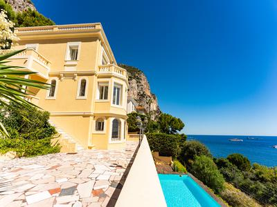 Beaulieu-Sur-Mer, stunning Belle Epoque villa with view over the sea and the marina