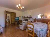 Maison à vendre à CUCURON en Vaucluse - photo 3
