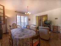 Maison à vendre à CUCURON en Vaucluse - photo 4