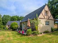 French property for sale in GUEGON, Morbihan - €304,950 - photo 2