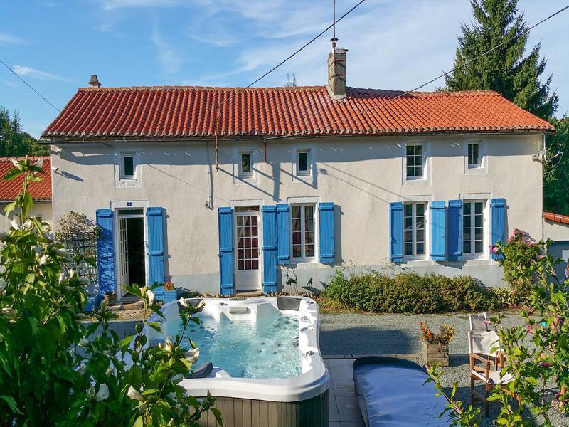 Maison à vendre à LE BEUGNON(79130) - Deux Sevres