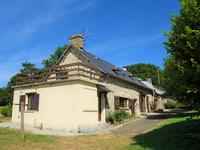 French property for sale in ST PIERRE DES NIDS, Mayenne - €162,000 - photo 2