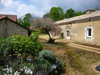 Maison à vendre à LACROPTE en Dordogne - photo 9