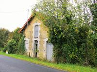 French property for sale in , Dordogne - €31,000 - photo 2