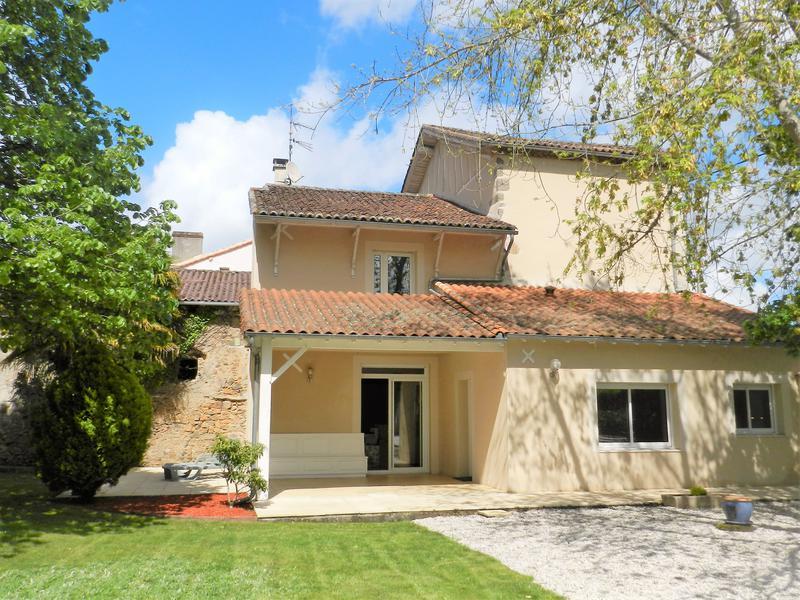 Maison à vendre à CONFOLENS(16500) - Charente