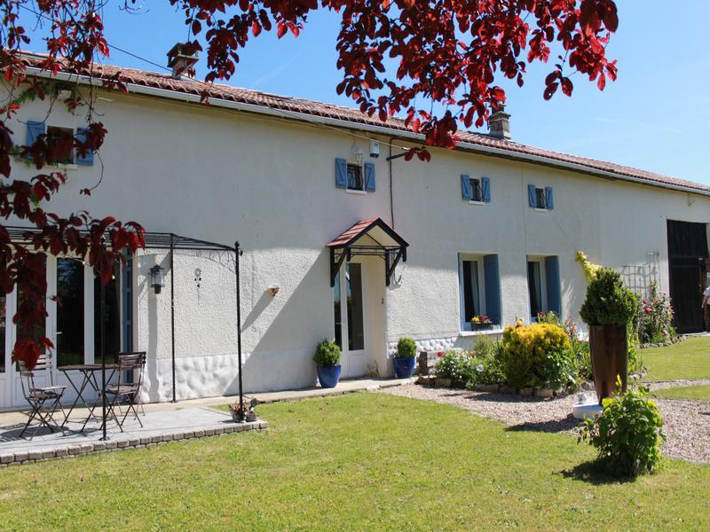 Maison à vendre à BARBEZIERES(16140) - Charente