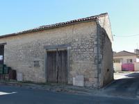 Maison à vendre à MARCILLAC LANVILLE en Charente - photo 1