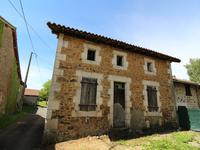 houses and homes for sale inPRESSIGNACCharente Poitou_Charentes