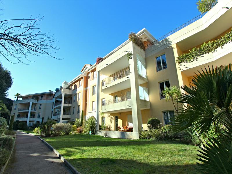 Appartement 4 pièces à vendre à VALBONNE (06560) -  Alpes Maritimes