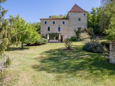 Restored 15th century water mill with 6 bedrooms, pool and barn on 6,7 ha of land.