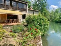 French property for sale in LA CRECHE, Deux Sevres - €689,000 - photo 2