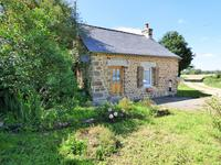 French property for sale in RENNES EN GRENOUILLES, Mayenne - €79,000 - photo 2