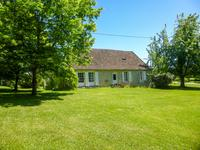 French property for sale in CASTILLONNES, Lot et Garonne - €299,600 - photo 2