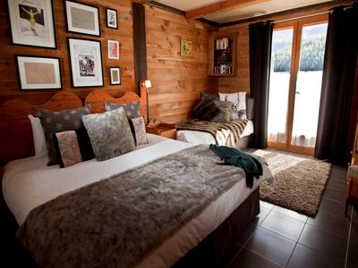 Beautiful ski chalet for sale in Montgenevre.
