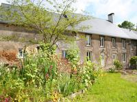French property for sale in ST MARTIN DE CONNEE, Mayenne - €130,800 - photo 2
