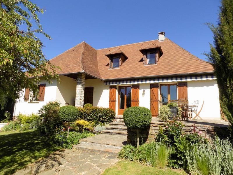 Maison à vendre à ST YRIEIX LA PERCHE(87500) - Haute Vienne