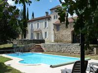 Magnifique Maison de campagne a seulement 5 km de la cathédrale d'Albi dans le calm absolu sans vis avis et voisin proche avec piscine et dépendances sur un terrain boisé de 4,2 ha